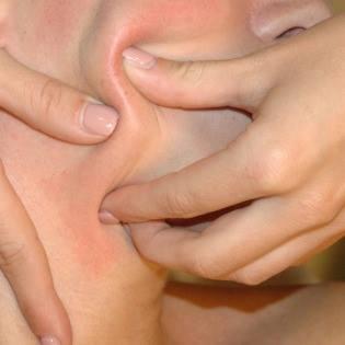 https://www.debeautyspecialist.com/beauty-behandelingen/bindweefselmassage-gezicht/